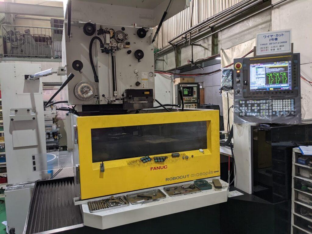 ワイヤーカット放電加工機 600×400mm α-600iB